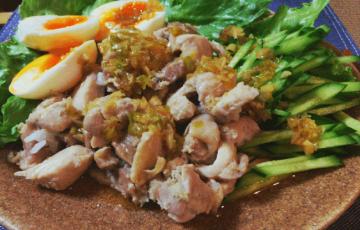 チキンライス最高!極上カオマンガイで野菜が格別(糖質10.3g)