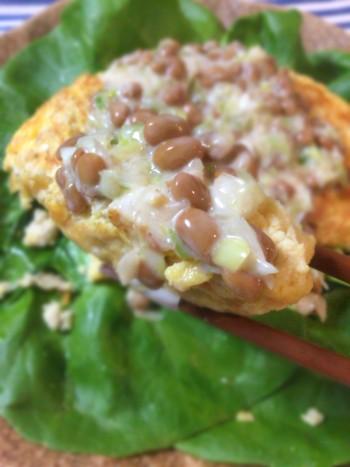 味見で確信。鶏ひきオムレツのネギ納豆マヨポン酢タレ(糖質8.8g)