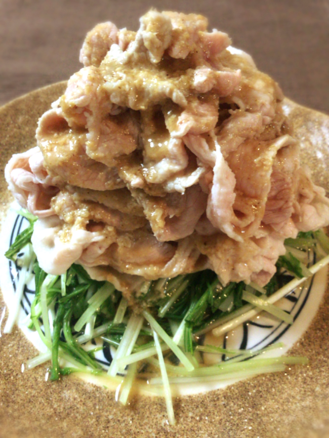 腹ペコなら、しっとり豚コマ肉で作る絶品ゴマダレしゃぶしゃぶ(糖質制限)