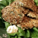 超新食感。サラダ菜で包むオクラ鶏つくねサンド(糖質3.8g)