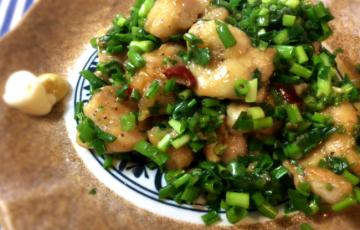 小ネギ好きなら黒胡椒ニンニクポン酢の鶏もも肉(糖質8.6g)