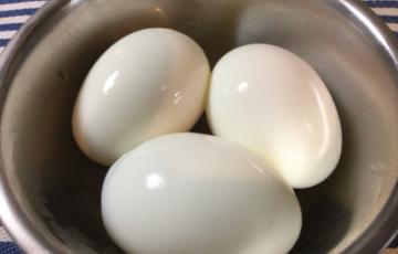 桃井かおり並につるっと剥ける、綺麗なゆで卵の簡単な作り方(写真付き)