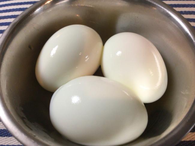 ストレス皆無でつるっと剥ける綺麗なゆで卵の作り方(写真付き)