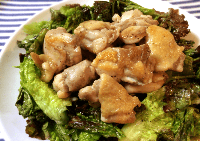 シンプル尽くし。胡麻レタス鶏モモのノンオイル炒め(糖質5.9g)