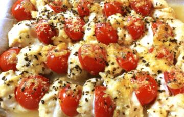溢れる完熟。鶏むねプチトマトの味噌バジルオーブン(糖質5.4g)