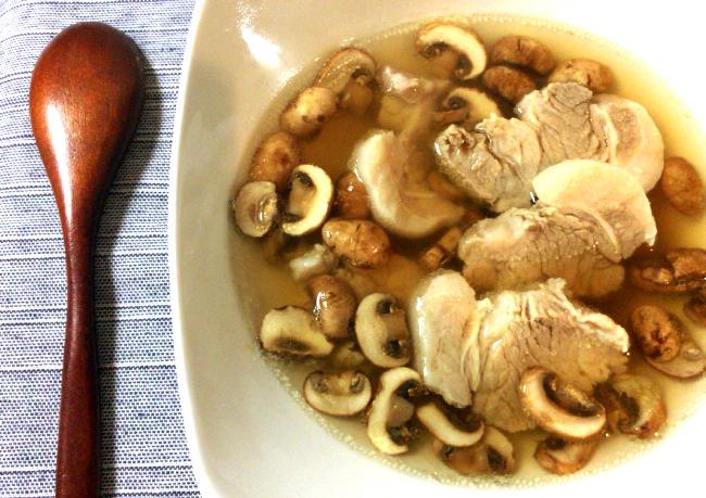 超燃焼系。生姜柔豚のクミンコンソメスープはとても美味しい。(糖質6.8g)