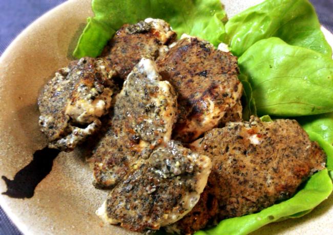 香ばしさモンスター。お弁当にも黒ゴママスタードの鶏胸ピカタ。(糖質5.4g)