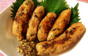 10分で食卓へ。いい感じの辛み皮なし粗びきチキンチョリソー(糖質5.8g)