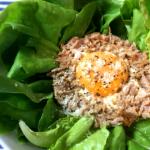 ローカボ1分ずぼら飯。野菜を食べつくす絶品ツナ黄身サラダ(糖質2.8g)