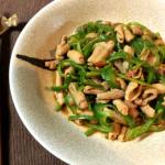 美味的カムカム。棒棒鶏風ホルモンピリ辛豆板醤(糖質4.1g)