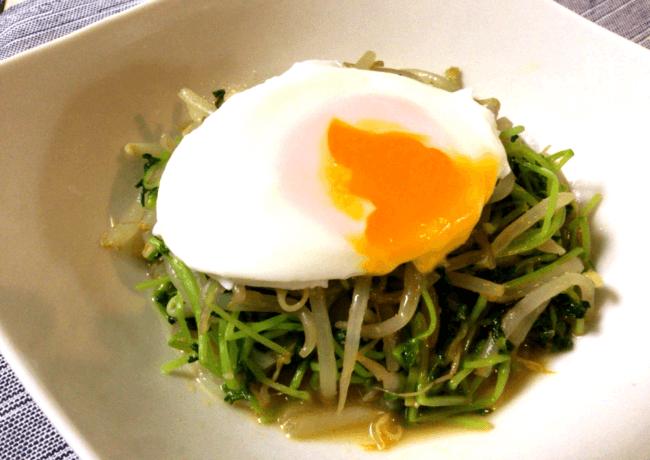 超節約系常備菜。ミーゴレン風豆苗もやし&簡単半熟卵(糖質5.2g)