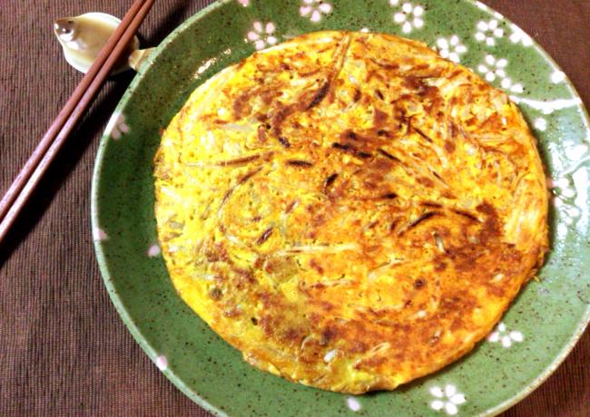 美味しさウザギ跳び。カレーモヤシのツナ満月お好み焼き。(糖質6.2g)
