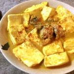 瞬殺絶品。お急ぎならサバ缶豆腐の味噌バターカレー煮込み。(糖質3.7g)