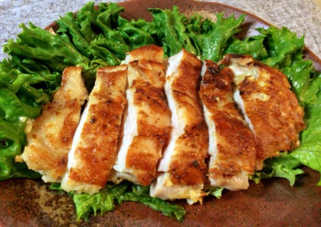 もはやスープ。肉汁溢れる白だし柚子胡椒のチーズチキン。(糖質5.1g)