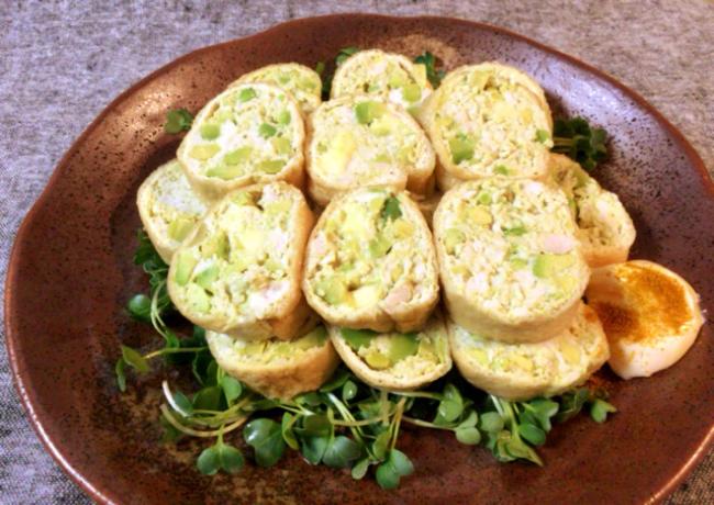 お口パニック。アボカドチーズの絶品カレーチキンロール。(糖質4.0g)