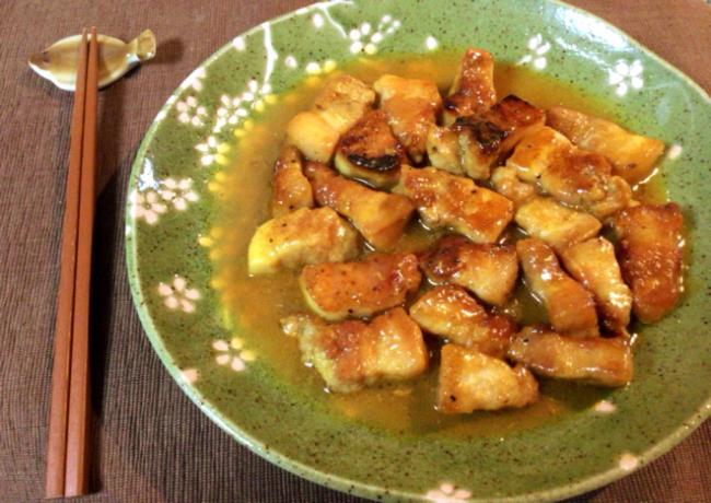 脂身激ウマ。柔らかさを求めた豚バラ生姜のカレーソテー煮。(糖質6.1g)