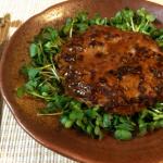 肉汁&シャキシャキ。モヤシ大葉バーグのジンジャーバター醤油。(糖質4.1g)
