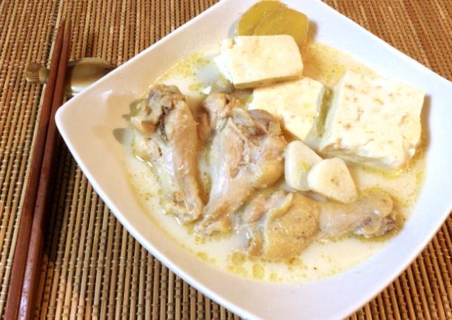 名店の極上スープ。濃厚豆乳塩麹の飲み干し参鶏湯。(糖質6.4g)