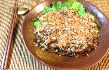 この旨さは白菜のせい。激ふわ鰹節餃子チーズバーグ。(糖質5.3g)