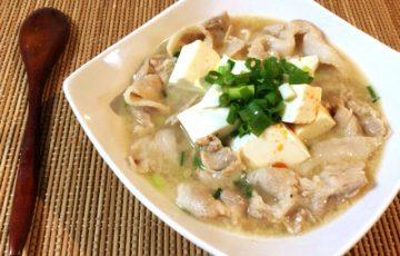 胃躍る旨さ。鶏がら味噌バターの旨み豚バラ豆腐チゲ(糖質6.0g)