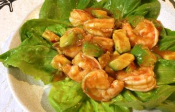 運命の饗宴。食卓まで簡単5分の極上海老チリアボカド(糖質7.7g)