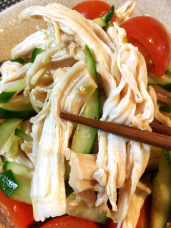 ほぐし鶏のぽん酢ナンプラースタミナ漬け(糖質6.9g)