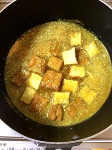 極上カレーの旨さ。オクラ厚揚げのとろりコンソメカレー煮(糖質6.1g)