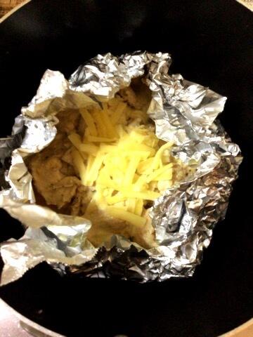 塩麹ガーリックの絶品鶏むねチーズホイル焼き(糖質5.3g)