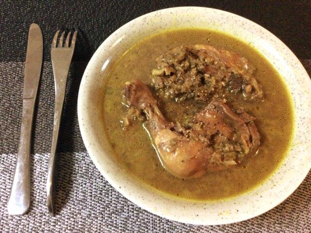 冷凍肉もホロホロ。葱味噌カレーの炊飯コンソメ骨付き鶏(糖質5.2g)