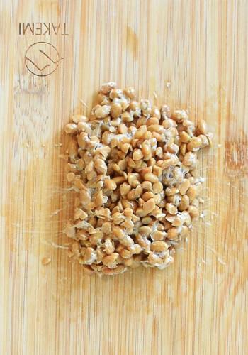 まさに回復薬。隠し玉付き薬味オクラ納豆ネバ味噌汁(糖質7.8g)