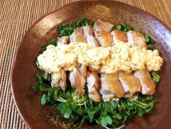 パリパリ大蒜チキンの白だし黄身おろしソース(糖質2.5g)