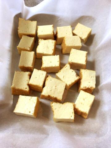 想定外の旨さ。オーブン厚揚げのスイチリカレーアボカド焼き(糖質3.7g)