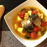 切って煮るだけ。コンソメ本ダシの鯖缶トマトカレースープ(糖質5.7g)