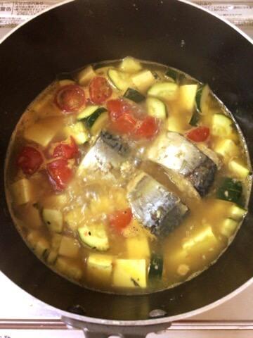 コンソメ本ダシの鯖缶トマトカレースープ(糖質5.7g)