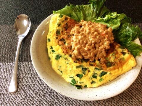 丸ごと1束。小葱チーズ豆腐オムレツの豆板醤マヨ納豆タレ(糖質4.9g) 20