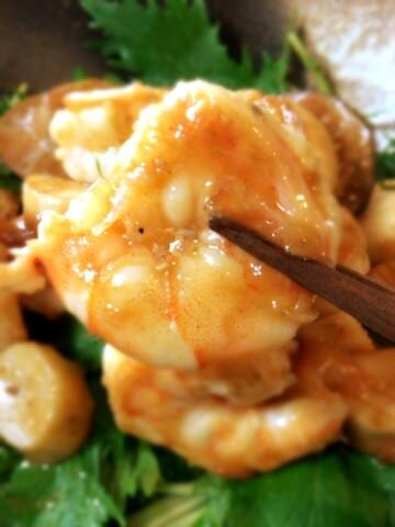ホタテ風エリンギ海老のバター山椒バルサミコ