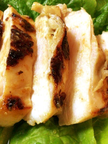 グリーンカレー塩麹の肉厚鶏むねステーキ
