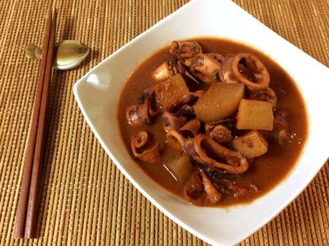全てが柔沁み。トマトカレーコンソメの一撃炊飯イカ大根(糖質6.4g)