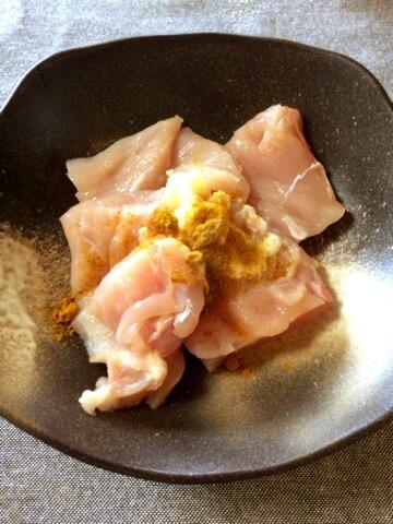 鶏むねカレーチーズのKFC風チキンステーキ