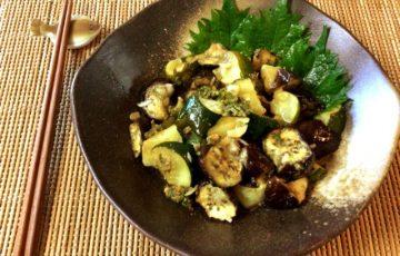 夏野菜猛襲。香味大蒜ナスズッキーニの揚げない揚げびたし(糖質8.4g)