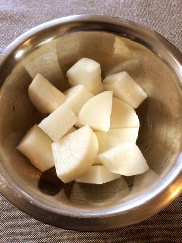 トマトカレーコンソメの一撃炊飯イカ大根
