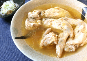 湧き上がる旨み。コラーゲン爆発のお店技法博多本格鶏水炊き(糖質3.8g)