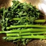 美味しさ最大化!春菊の簡単で美味しい茹で方(写真付き)