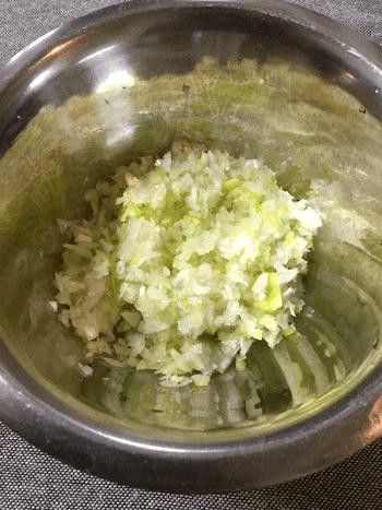 甘辛葱塩ナンプラーのピリ辛しっとり茹で鶏