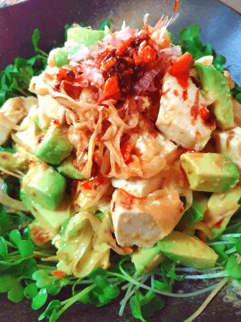 濃厚アボカド豆腐の食べラーポン酢玉葱サラダ
