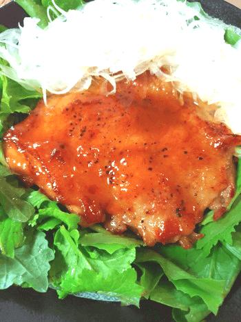 相性すんごい。ピリ蜂蜜味噌バターの極上肉汁オニオンチキン(糖質7.3g)