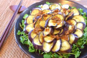 相性べらぼう!茄子お刺身の絶品オリーブ生姜醤油(67kcal / 糖質4.6g)