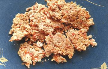 レンチン一撃。激サクオートミールチーズ海老煎餅(糖質14.5g)