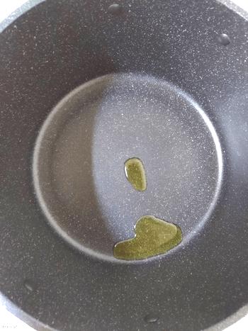 濃厚カレーほうれん草のマヨカマンベール焼き