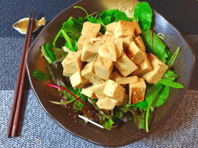 レッツ大量消費。ふわり高野豆腐のガーリック棒棒鶏風煮(糖質9.8g)